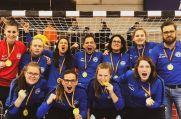 """Bejubeln den Sieg in der """"Deaf Futsal Champions League"""": Die gehörlosen Frauen des GTSV Essen."""