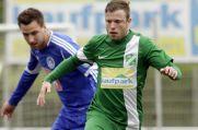In diesem Zweikampf hat Florian Gondrum (hinten) vom Westfalenligisten FC Brünninghausen das Nachsehen.