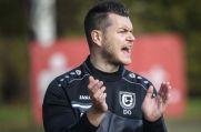 Wiemelhausen-Trainer Daniel Oehlmann motiviert seine Mannschaft.