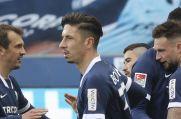 Die Spieler des VfL Bochum bejubeln das 2:0 von Danny Blum.