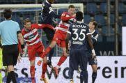 Eine Szene aus dem Hinspiel gegen den 1. FC Heidenheim: VfL Bochums Armel Bella Kotchap steigt am höchsten und klärt einen Ball.