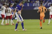 Schalke-Neuzugang Simon Terodde war nach der 1:3-Auftaktpleite gegen den HSV enttäuscht. Foto: firo