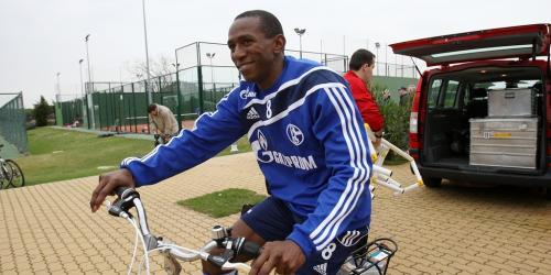 SF BO-Linden: Ex-Schalker Mineiro trainiert mit
