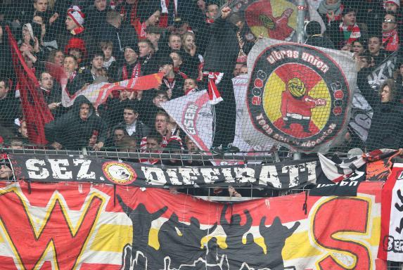 Knapp 200 Ultras Von Union Berlin Haben Am Sonntag Gegen Das WM Wohnzimmer Im Stadion Des Fussball Zweitligisten Protestiert