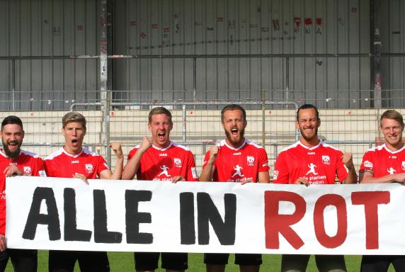 """Rot Weiss Ahlen, Team, """"Alle in Rot""""."""