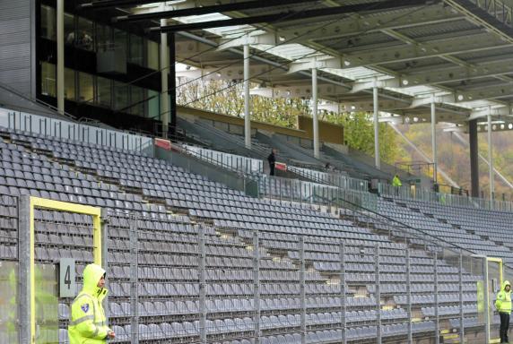 WSV, Wuppertaler SV, Wuppertal, leere Tribüne, Stadion am Zoo, Symbolbild, Haupttribüne, WSV, Wuppertaler SV, Wuppertal, leere Tribüne, Stadion am Zoo, Symbolbild, Haupttribüne