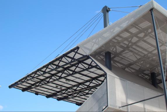 Rot-Weiss Essen, Symbolbild, Stadion Essen, Tribünendach, Rot-Weiss Essen, Symbolbild, Stadion Essen, Tribünendach