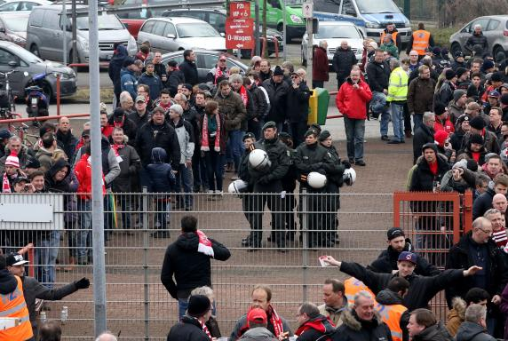 Derby, RWE-Fans, Stadion Niederrhein, RWO - RWE, Derby, RWE-Fans, Stadion Niederrhein, RWO - RWE