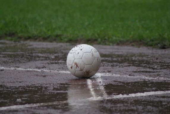 fußball, Regen, Symbol, Dreck, Foto: Tim Müller, fußball, Regen, Symbol, Dreck, Foto: Tim Müller