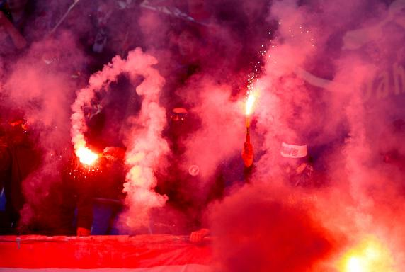Wuppertaler SV, VfB Homberg, Pyrotechnik, Ultras Wuppertal, Saison 2014/15, Wuppertaler SV, VfB Homberg, Pyrotechnik, Ultras Wuppertal, Saison 2014/15