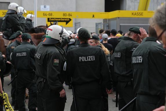 Randale, Polizei, Dortmund, Symbol, Randale, Polizei, Dortmund, Symbol