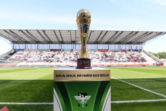 Pokal, Trophäe, niederrheinpokal, Stadion Essen, Otelo-Niederrheinpokal, Pokal, Trophäe, niederrheinpokal, Stadion Essen, Otelo-Niederrheinpokal