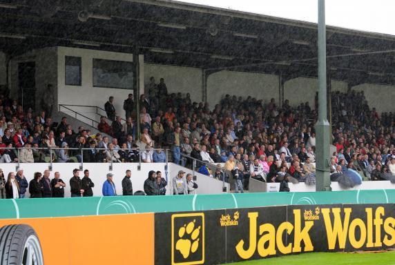 Saison 2010/2011, ETB Schwarz-Weiss Essen, Stadion Uhlenkrug, Saison 2010/2011, ETB Schwarz-Weiss Essen, Stadion Uhlenkrug