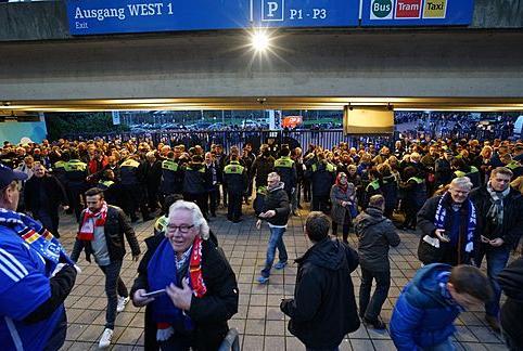 fc schalke 04, S04, Einlasskontrollen, Schalke-Arena, fc schalke 04, S04, Einlasskontrollen, Schalke-Arena