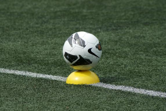 training, fußball, Symbolfoto, Symbolbild, Symbol, training, fußball, Symbolfoto, Symbolbild, Symbol
