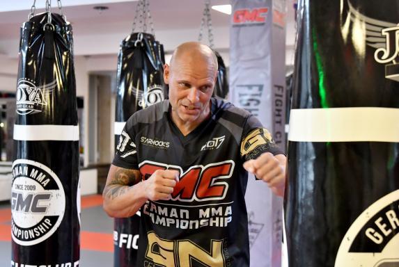 Mixed Martial Arts: Legats neue Karriere im Käfig