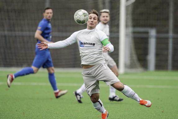 Stephan Nachtigall bringt einen Ball unter Kontrolle.