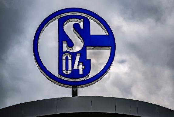 Beim FC Schalke 04 wurden Personen aus dem Kreis der U23 positiv auf Covid-19 getestet.