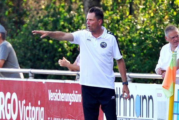Trainer Matthias Jabsen und der VfB Annen treffen im Kreispokal-Halbfinale auf den SC Weitmar.