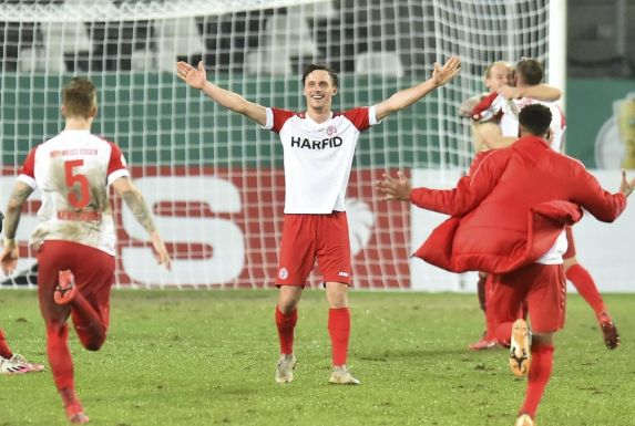 Marcel Platzek (Bildmitte) wird Rot-Weiss Essen im Sommer nach acht Jahren verlassen.