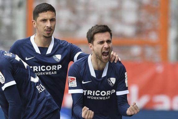 VfL Bochums Milos Pantovic (rechts) bejubelt seinen Treffer zum 1:0 gegen den SV Sandhausen.