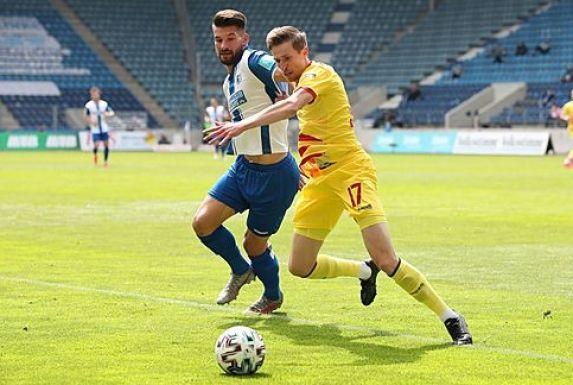 MSV-Außenverteidiger Arne Sicker (rechts) wird die Meidericher verlassen und eine Liga höher zum SV Sandhausen wechseln.