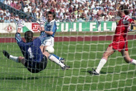 Ein Bild aus alten Tagen: Schalke-Stürmer Aleksandr Borodyuk 1991 gegen Fortuna Köln in Aktion.
