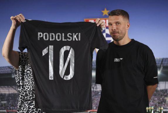 Lukas Podolski wird mit der Nummer 10 für Górnik Zabrze auflaufen.