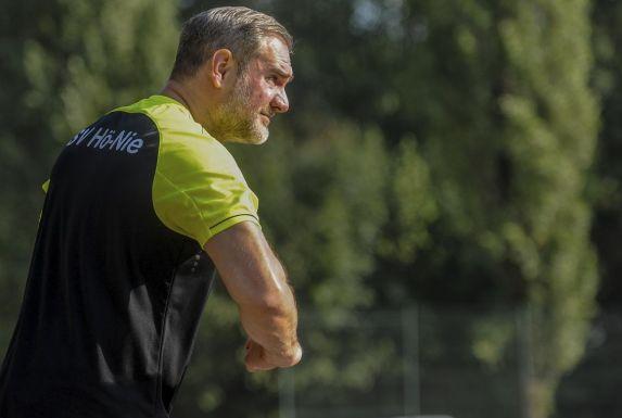 Hö.-Nie.-Trainer Sven Schützek ist sauer.