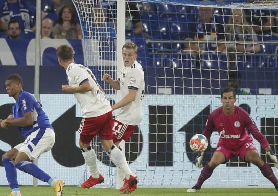 1:3 gegen Hamburg: Fehlstart für Schalke, Pfiffe der Fans