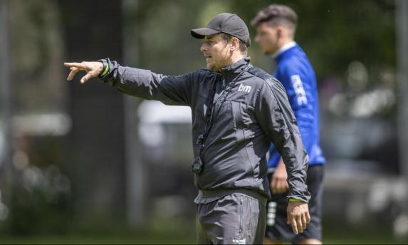 Viktoria-Trainer Benedetto Muzzicato.