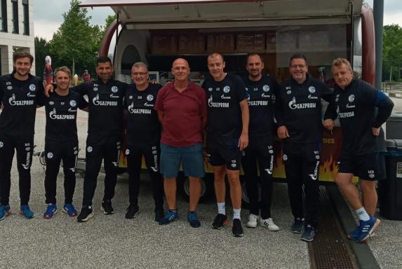 Schalke: Trainerteam stattet ehemaligem S04-Kapitän einen Besuch ab