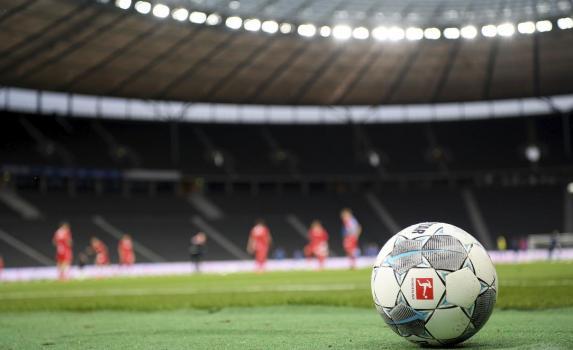 Umfrage: Große Fan-Sorgen um Vereinsfinanzen