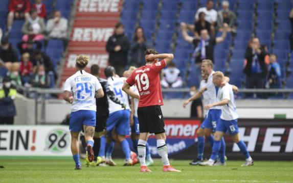 2. Liga: Rostock düpiert Hannover, Regensburg überrascht