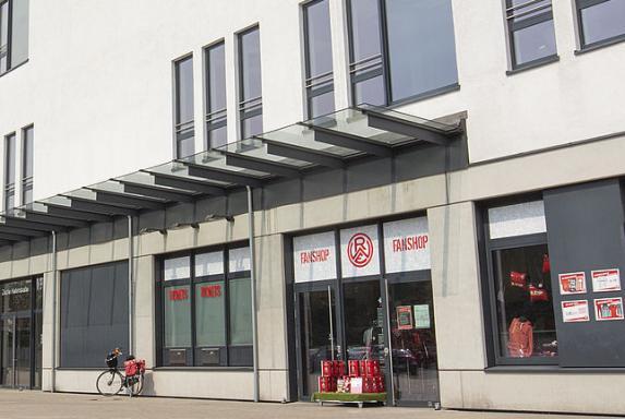 RWE: Blindgänger gefunden - Geschäftsstelle und Fanshop zu