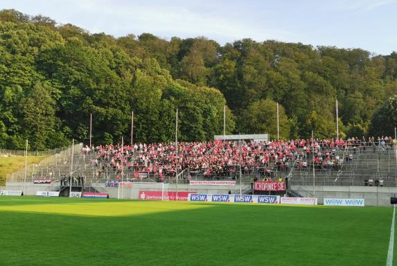 Regionalliga: RWE meldet sich zurück - Derbysieg in Wuppertal
