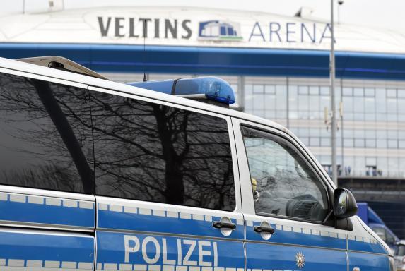 Polizei, 1. Bundesliga, Arena, Symbolbild, Saison 2016/17, Polizei, 1. Bundesliga, Arena, Symbolbild, Saison 2016/17