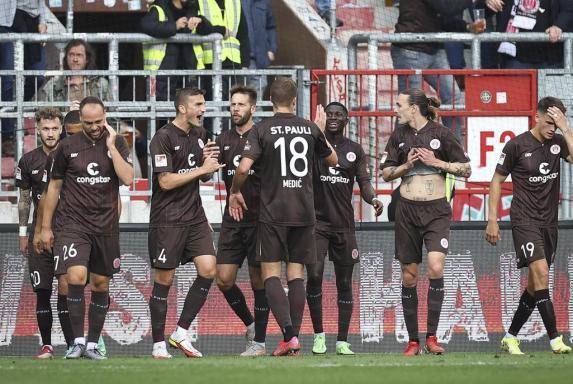 2. Liga: Historische Sandhausen-Pleite, St. Pauli Erster