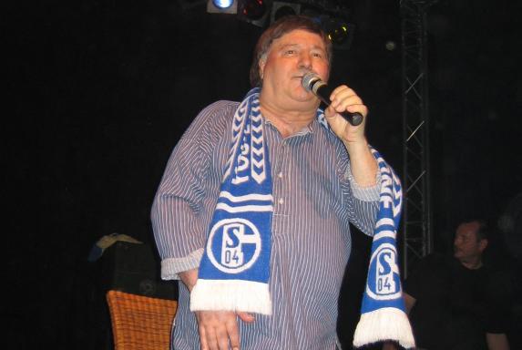 "Gegen Ingolstadt: Schalke gedenkt S04-Barden ""Ährwin"" Weiss"