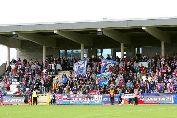 KFC gegen RWE: So viele Zuschauer dürfen ins Stadion Velbert