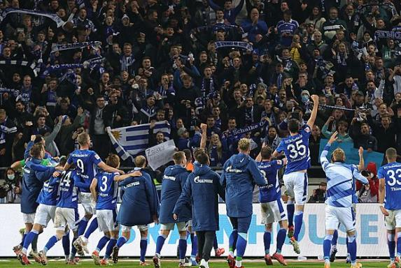 "Schalke: Büskens fordert gegen Dresden ""volle Hütte"""
