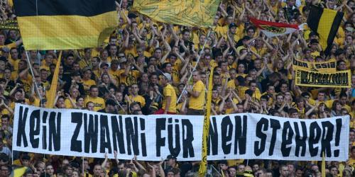Fanbundniss Treffen Im Dortmunder Stadion Fussball